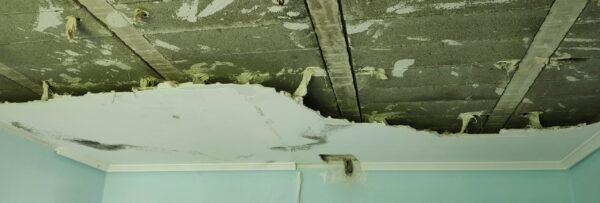 constructora ibiza desmontando falso techo